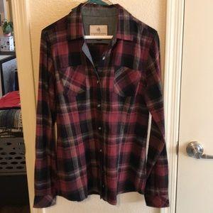 Never worn!! Plaid shirt that can take a hit.